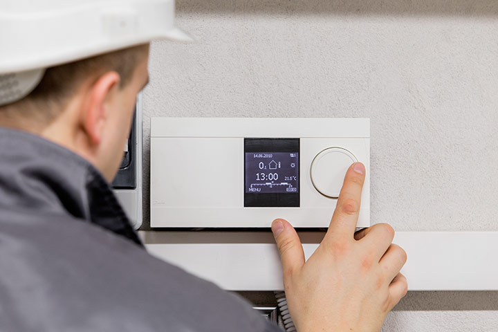 transitioning-seasons-with-your-thermostat